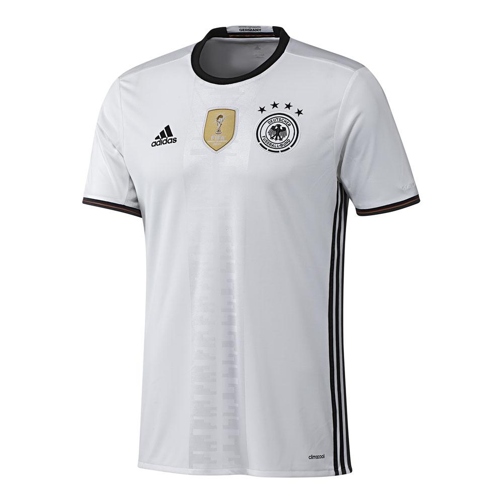 Das neue Fußball Nationalmannschaft Trikot zur WM 2010 & noch viel mehr!